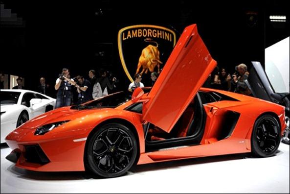 Ferrari FF e Lamborghini Aventador chegam esse ano ao Brasil