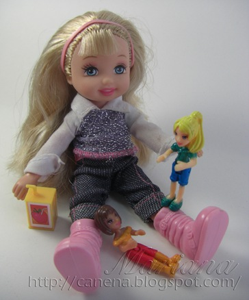Kelly-juega-con-pollypocket