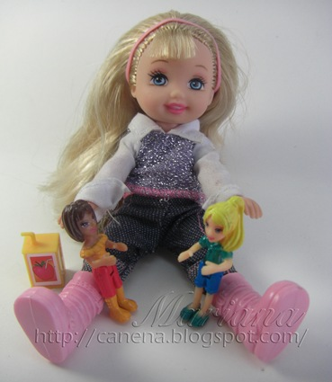 Kelly-juega-con-pollypocket2