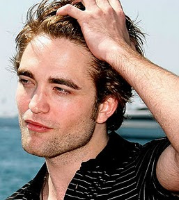 Robert Pattinson diz estar louquinho para interpretar Jeff Buckley no cinema