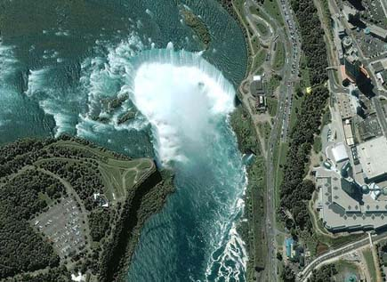 ig21 above niagara falls 02 14 Most Amazing Satellite Pictures You'll Ever Seen Before