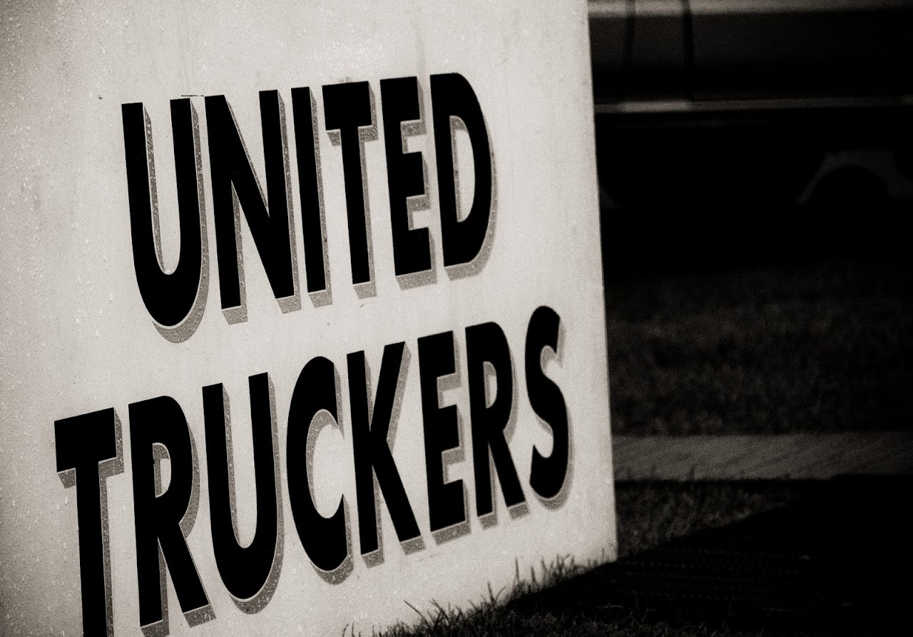 NC at Truckfest 2010 - United we stand, prostitutes we murder. - 284_United
