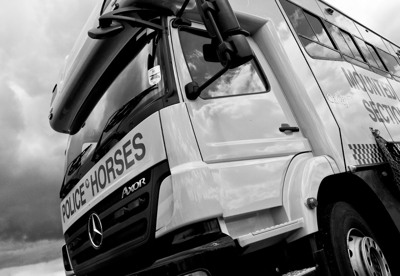 NC does Lincolnshire Police - Horses on a Truck - 12_rozzer_horses