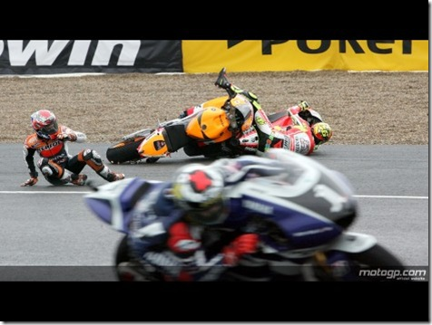 crash-Stoner-Rossi,-Jerez-Race-exclusive-photos-02