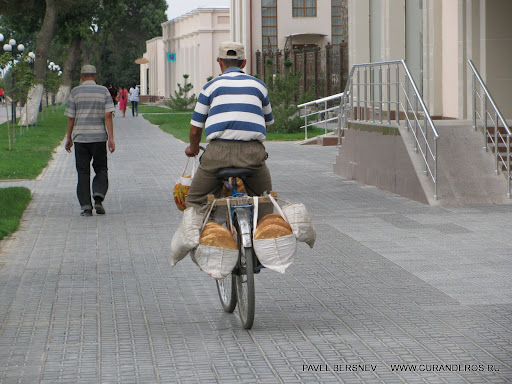 Хлеб на велосипеде