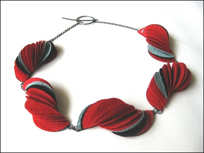 4.Red shell necklace