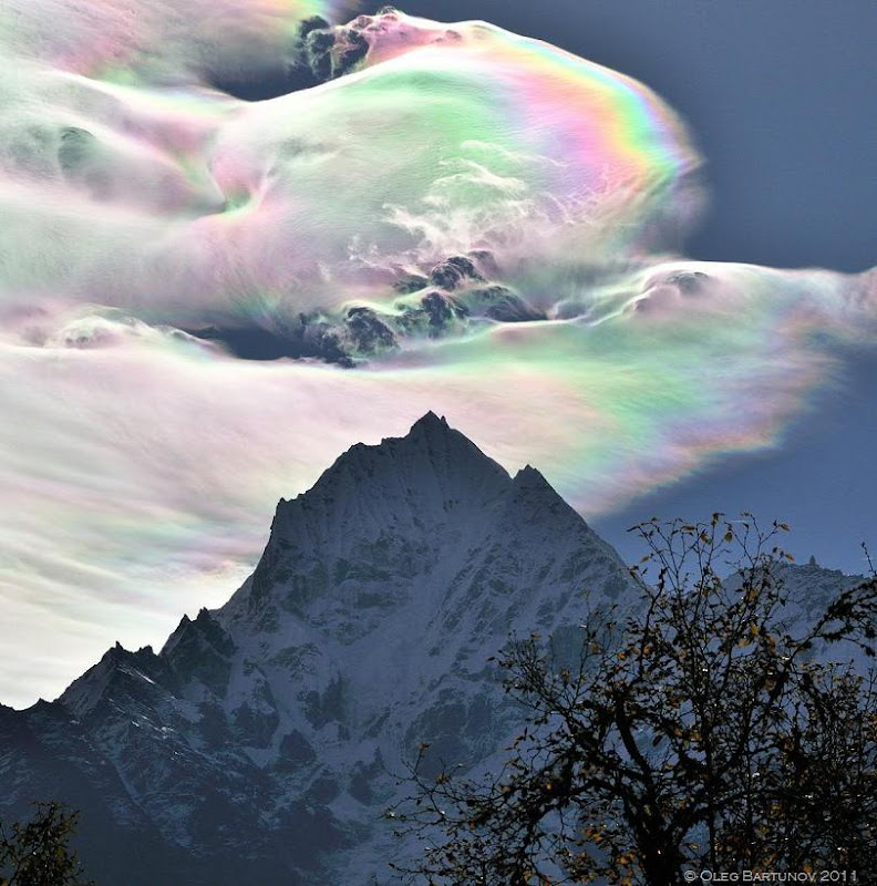 iridescent cloud over the himalayas oleg bartunov