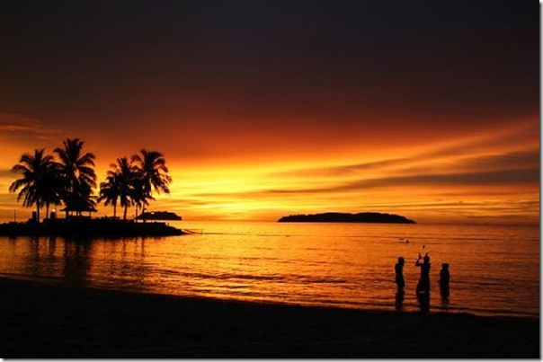 tanjung-aru-beach-sunset
