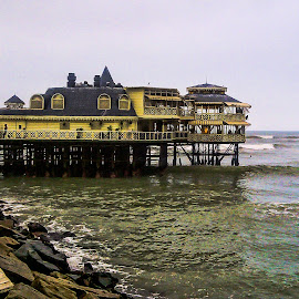 Restaurant on the sea by Ram Ramkumar - Buildings & Architecture Other Exteriors ( restaurant by the sea, peru, miraflores, restaurant, lima,  )