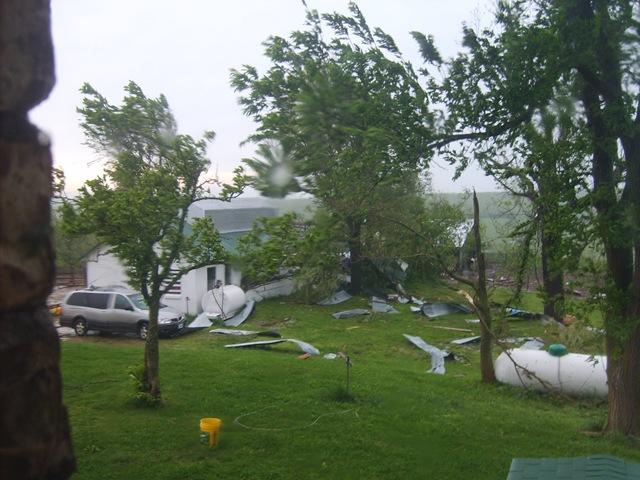 [storm damage 013[3].jpg]