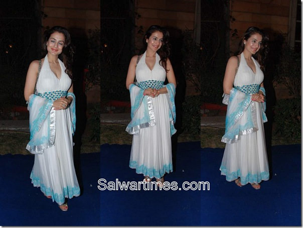 Ameesha_Patel_White_Designer_Salwar_Kameez
