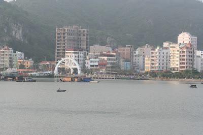 Cat Ba City, le front de mer