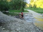 Nie wiem o co chodzi z tym chodzeniem po wodzie, przecież rower służy do jeżdżenia ;-)