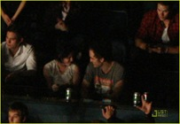 robert-pattinson-kristen-stewart-concert-couple-11