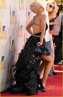 christina-aguilera-mtv-movie-awards-2010-01