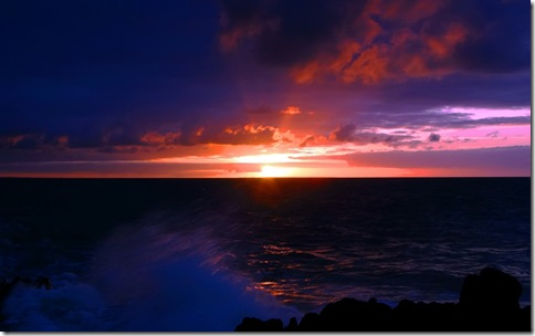 Dark_sea_sunset_1680 x 1050 widescreen