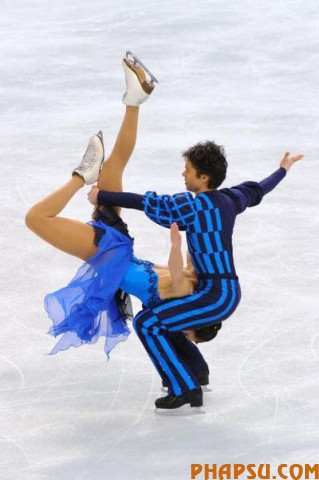 VANCOUVER, BC - FEBRUARY 22:  Christina Beier and William Beier of Germany compete in the free dance portion of the Ice Dance competition on day 11 of the 2010 Vancouver Winter Olympics at Pacific Coliseum on February 22, 2010 in Vancouver, Canada.  (Photo by Kevork Djansezian/Getty Images)