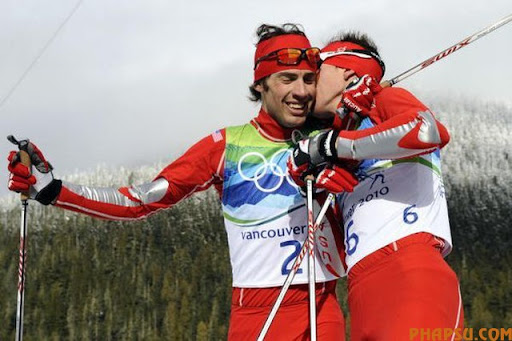 Bill Demong of the US (R) and compatriot Johnny Spillane react after competing in the men's Nordic Combined Cross Country at Whistler Olympic Park during the Vancouver Winter Olympics on February 25, 2010.       AFP PHOTO / FRANCK FIFE (Photo credit should read FRANCK FIFE/AFP/Getty Images)