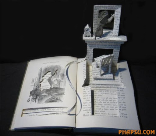 Awesome_Book_Sculptures_33.jpg