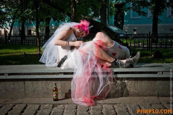 zombie_wedding_640_46.jpg