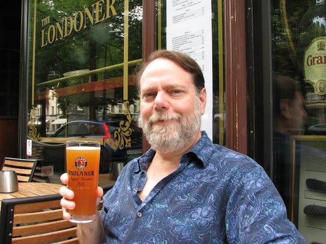 Barry med öl i Stockholm