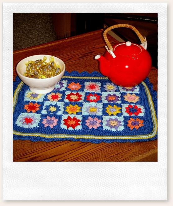Crocheted tabletopper
