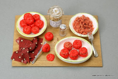 Paris Miniatures Making stuffed baked tomatoes - preparation board - Miniature Food - Emmaflam and Miniman