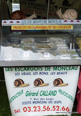 Paris Miniatures - French trader selling snail-based dishes - Emmaflam and Miniman