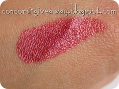 Giveaway-miss-broadway-premio3-lipstick-rossetto-amarena-swatch-2