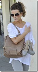 kate-beckinsale-and-givenchy-medium-pandora-messenger-bag-gallery
