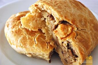 Banapple's Cheese & Mushroom Pie (P65)