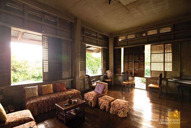 Zoleta Ancestral House Living Room at Abra de Ilog