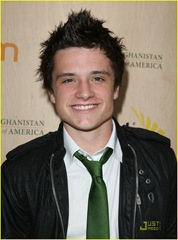 simon-curtis-josh-hutcherson-palm-party-08
