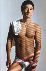 choi_ho_jin_shirtless_3
