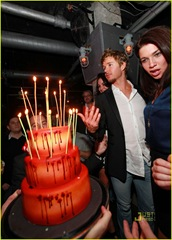 ryan-kwanten-birthday-cake-02