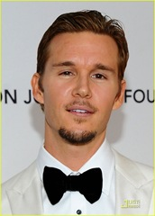 ryan-kwanten-oscars-viewing-party-04