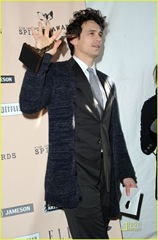 james-franco-spirit-awards-2011-winner-10