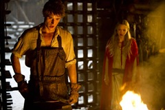 red-riding-hood-max-irons-amanda-seyfried-photo3