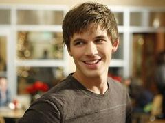 90210-The-gorgeous-Matt-Lanter-plays-Liam-Court_thumb