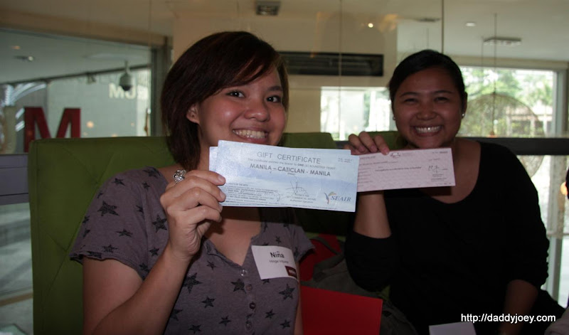 Nina, winner of trip for 2 to Boracay (airfare and accomodation) and Lianne, winner of Trip to Ilocandia