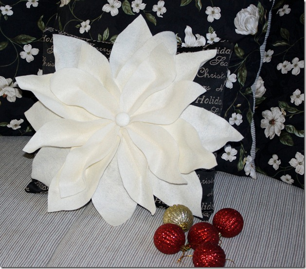 Poinsettia Pillow 001