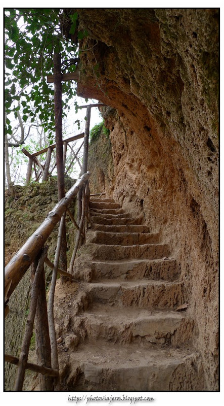Escaleras en la montaña