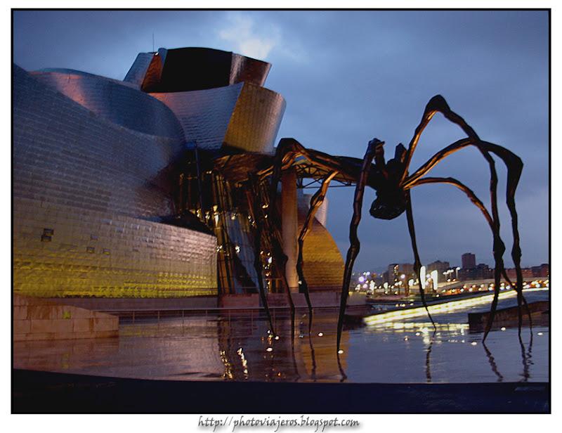 Atardecer sobre el Guggenheim de Bilbao