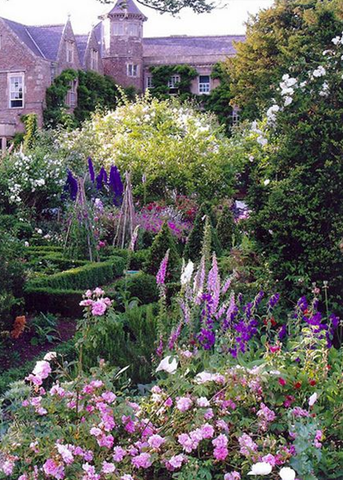 Plus de 1000 id es propos de jardin de cur potager en for Jardin style cottage anglais