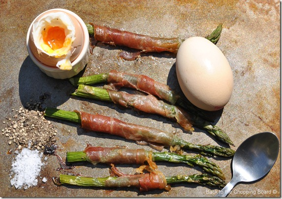 Dippy Eggs with Asparagus and Prosciutto Soldiers