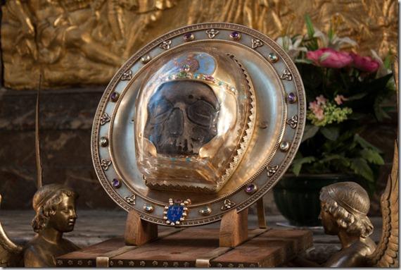 Череп Иоанна Крестителя, Амьенский собор.