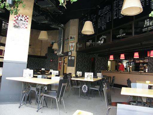 blog, Skála, Budapest, kocsma, Nyugati tér, WB, West-Balkán