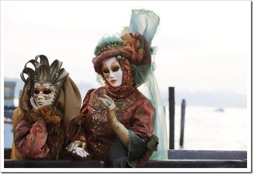 Carnevale 2011 - foto il martedi grasso a venezia - maschera ed erotismo2