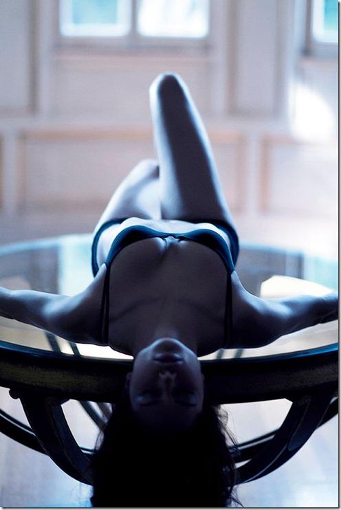 Adriana Lima de Langerie  Photoshoot Victoria Secrets (17)