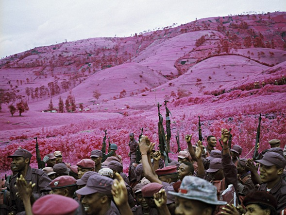 Infrared-Photography-by-Richard-Mosse-13